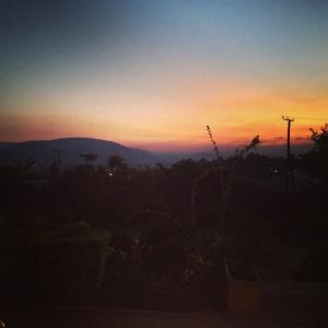 Auringonlasku Iringassa. Kuva: Nella Rahkonen